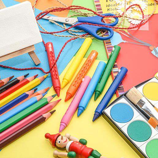Material zum Basteln der Deko für den Kindergeburtstag