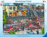 Puzzle cadre 30-48 p - Les pompiers sur la voie ferrée Puzzle;Puzzle enfant - Ravensburger