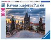 The walk across the Charles Bridge Ravensburger Puzzle  1000 pz - Foto & Paesaggi Puzzle;Puzzle da Adulti - Ravensburger