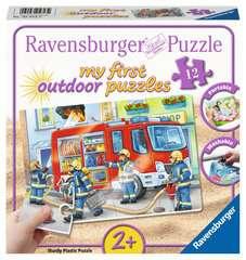 My first outdoor puzzle - Les pompiers - Image 1 - Cliquer pour agrandir
