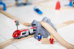 BRIO Eisenbahn Starter Set A - Bild 11 - Klicken zum Vergößern