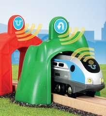 Smart Tech Zug mit Action Tunnels - Bild 6 - Klicken zum Vergößern
