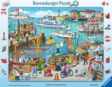 06152 Kinderpuzzle Ein Tag am Hafen von Ravensburger 1