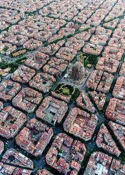Barcelona from above, 1000pc Puzzles;Adult Puzzles - image 2 - Ravensburger