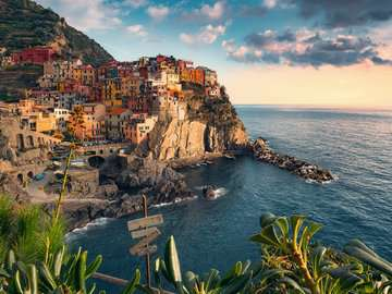 View of Cinque Terre, Italy, 1500pc Puzzles;Adult Puzzles - image 2 - Ravensburger