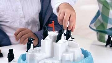 Penguin Pile Up Games;Children s Games - image 7 - Ravensburger