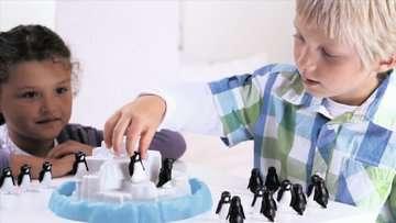 Penguin Pile Up Games;Children s Games - image 4 - Ravensburger