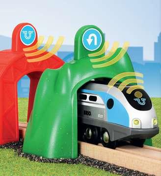 63383400 Brio Eisenbahn Smart Tech Zug mit Action Tunnels von Ravensburger 6